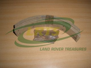 LAND ROVER SERIES 3 AND DEFENDER BRAKE LINER SET WITH RIVETS PART AAU9942