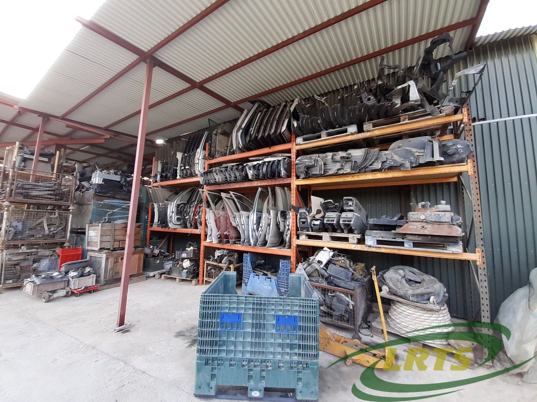 salvage Cyprus Land Rover LRTS parts range-RR-discovery-doors-bumpers-facia